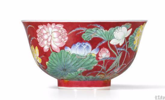 """景德镇陶瓷专家罗学正先生把此类器称之为""""重工粉彩"""""""